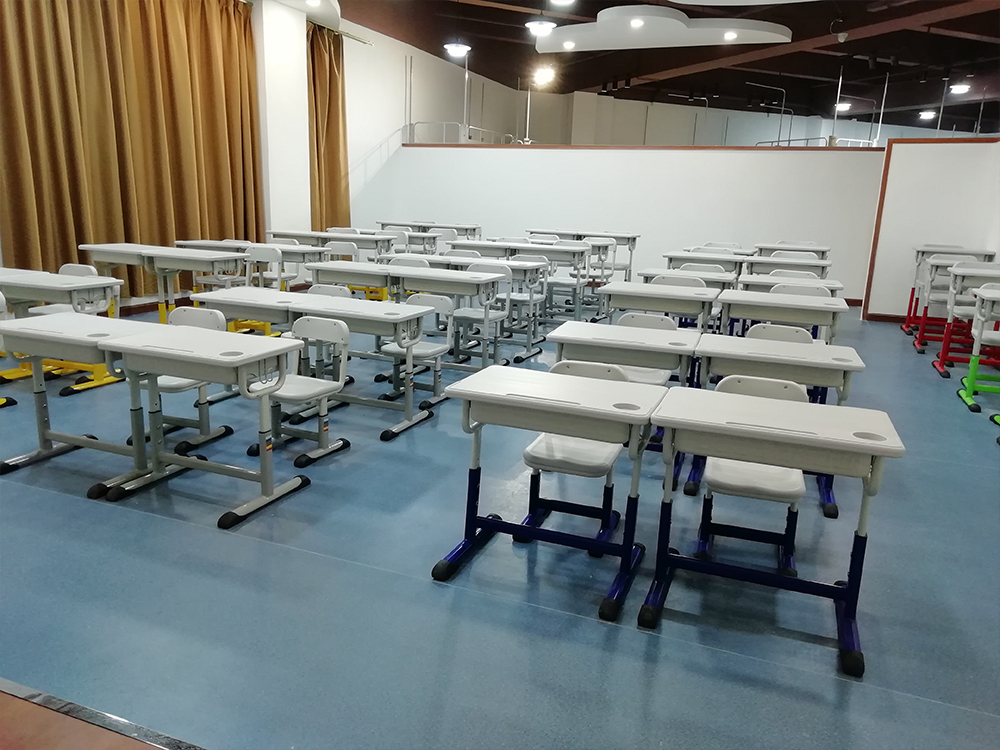 课桌椅展厅